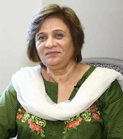 Dr. Farkhanda  Hafeez